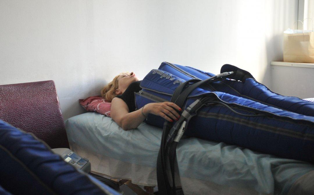 Методику пресотерапії використовують для подолання ПТСР // Фото: Олена Худякова, Укрінформ
