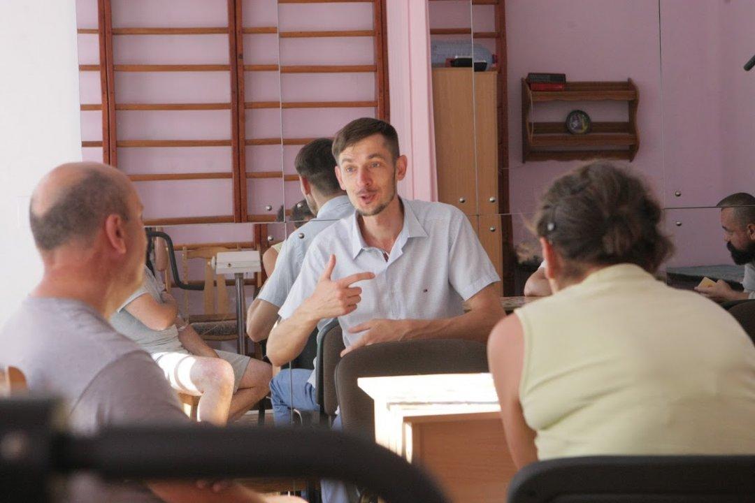 Сеанс групової терапії у київському Центрі медико-психологічної реабілітації учасників АТО