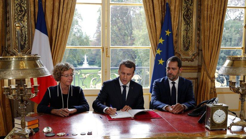 Президент Франції Еммануель Макрон підписує укази, які реформують Трудовий кодекс