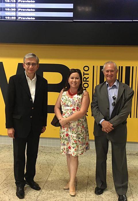 На фото (зліва направо) президент СКУ Евген Чолій, дружина посла України у Бразиії Фабіана Троненко