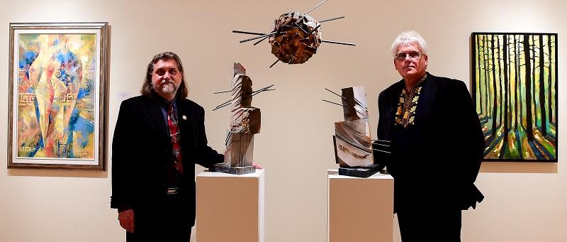 На фото (ліворуч) голова УСОМ Олег Лесюк