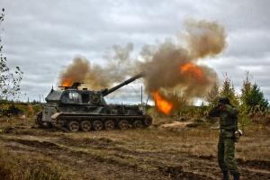Оккупанты на Донбассе оборудуют новые огневые позиции для артиллерии — разведка
