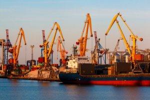 Одеський порт поповнився чотирма потужними перевантажувачами