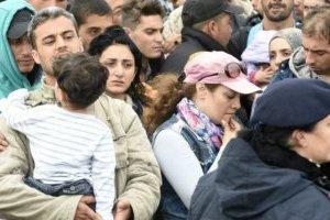 Евросоюз обещает и дальше прилагать усилия для защиты беженцев
