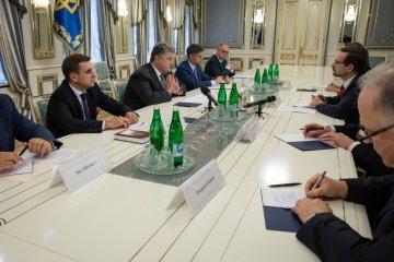 Petro Porochenko s'est entretenu avec le Secrétaire général de l'OSCE nouvellement élu