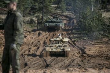 La Russie a rassemblé 90 000 soldats, 1100 chars et des centaines d'avions à la frontière avec l'Ukraine