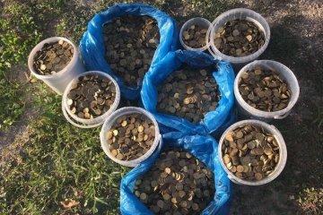 Krim: Aktivisten zahlen 150.000 Rubel Geldstrafe mit Münzen