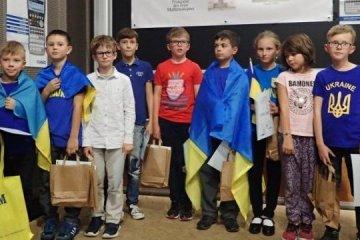 乌总理祝贺9名中小学生进入数学锦标赛前10名