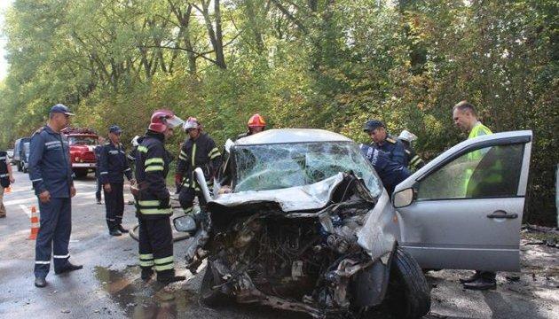 На Хмельниччині Lada влетіла в Renault, четверо загиблих