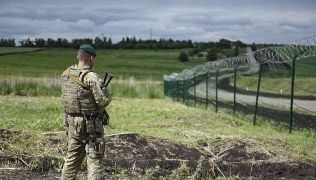 Russia moves 77,000 troops to border with Ukraine - Defense Ministry