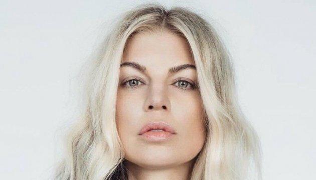 Співачка Фергі знялася для Vogue у сукні української дизайнерки