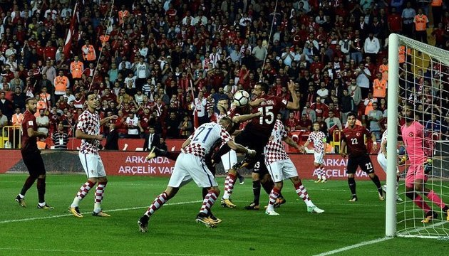 Футбол: Гол Тосуна приніс команді Луческу перемогу над хорватами