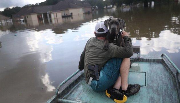 Канадців евакуюють із Карибів через ураган