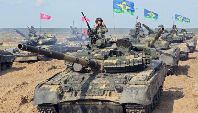 Турчинов: Модернизированная украинская бронетехника — надежное, проверенное в боях оружие