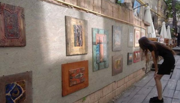 Ексклюзивна вулиця картин з емалі з'явилася у Дніпрі