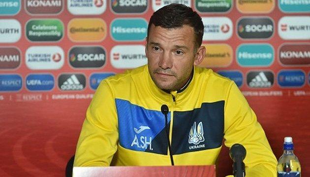 Шевченко відповів Суркісу: У футболі завжди хтось залишається на лавці запасних