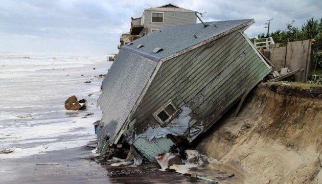 Буревій у М'янмі зруйнував сотні будинків