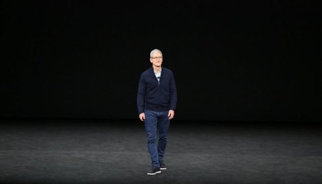 Глава Apple став мільярдером – Bloomberg