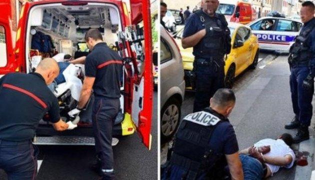 У Франції чоловік з криками «Аллах акбар» напав на перехожих