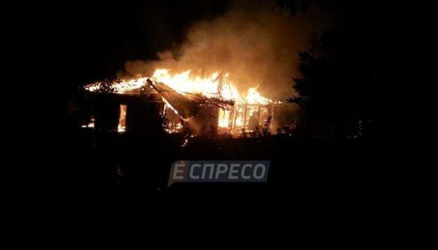 У Києві вночі згорів ресторан