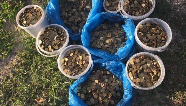 Une amende pour des posts pro-ukrainiens : les Tatars de Crimée ont collecté 300 000 roubles avec des pièces de monnaie (photos, vidéo)