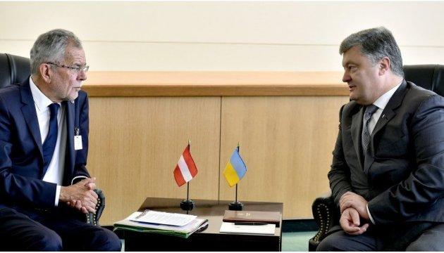 Poroschenko und Van der Bellen sprechen über Lage im Donbass