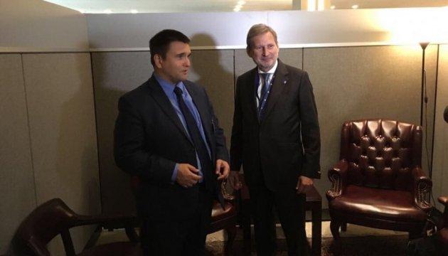 Климкин обсудил с еврокомиссаром Ханом