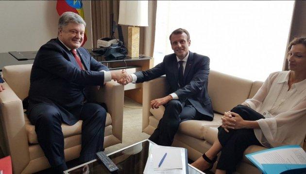Porochenko invite Macron à visiter l'Ukraine