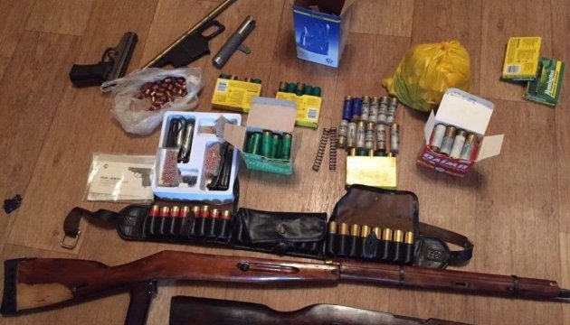 У Києві накрили підпільну зброярню
