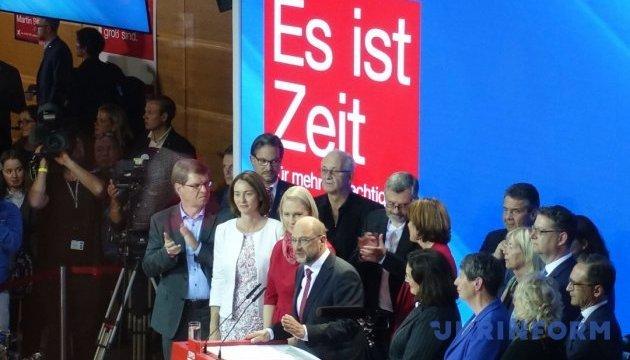 СДПН відкинула пропозицію Меркель розпочати переговори про коаліцію