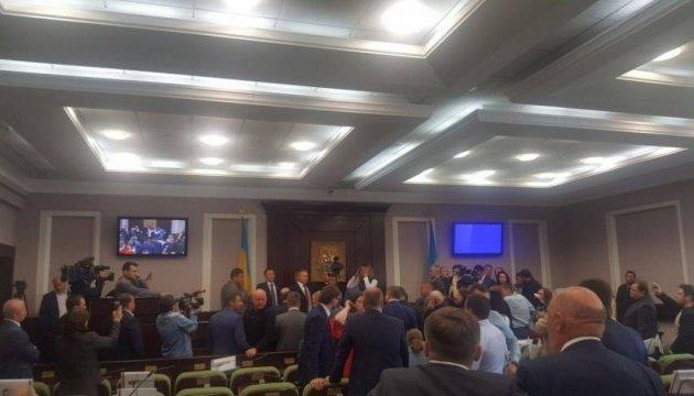 У Київській облраді сталася бійка між депутатами