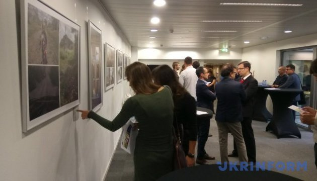 Photo exhibition about Ukraine amid Russian aggression, hybrid war opens in Brussels