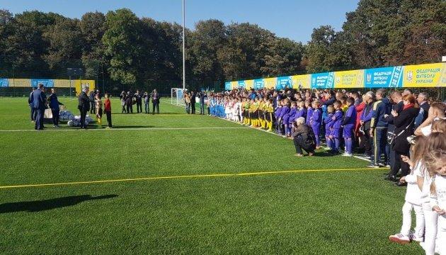 Порошенко открыл футбольный стадион в Ивано-Франковске