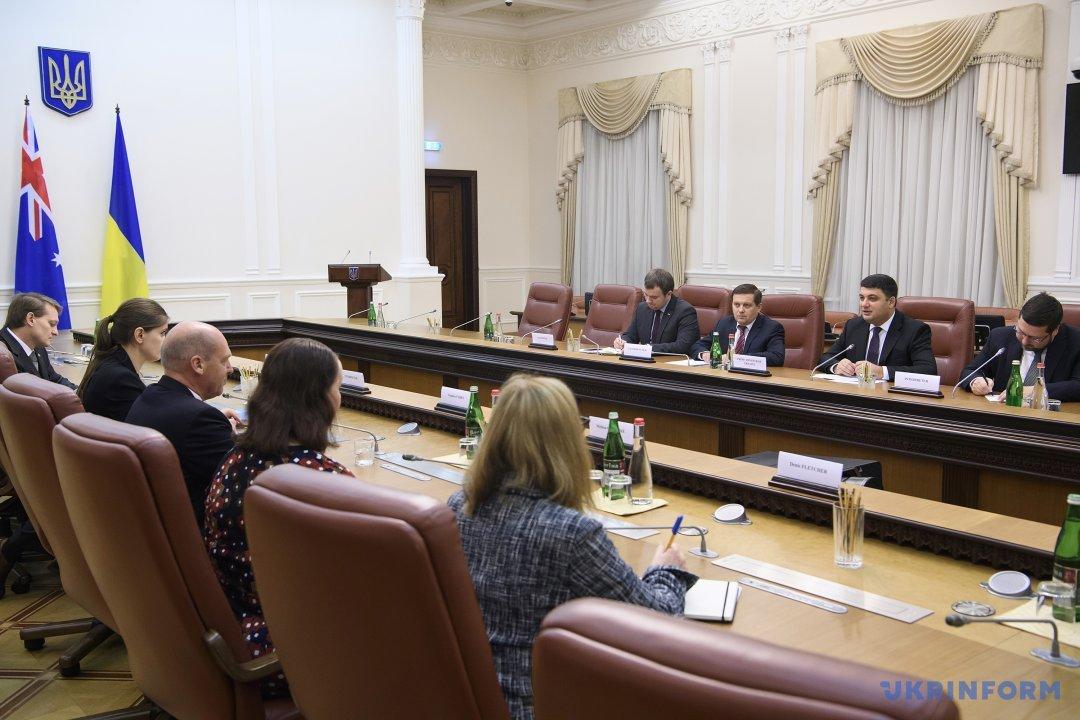 Порошенко поблагодарил спикера Сената Австралии из-за продления антироссийских санкций