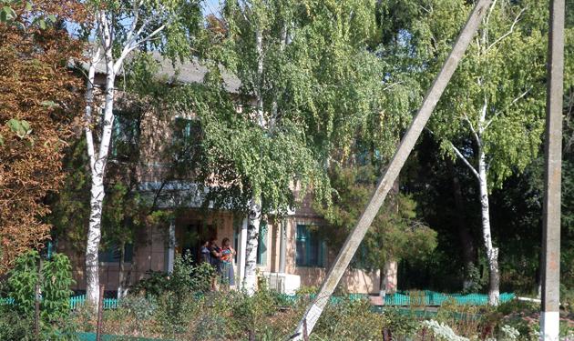 Офіс агрофірми в Каравані-Солодкому