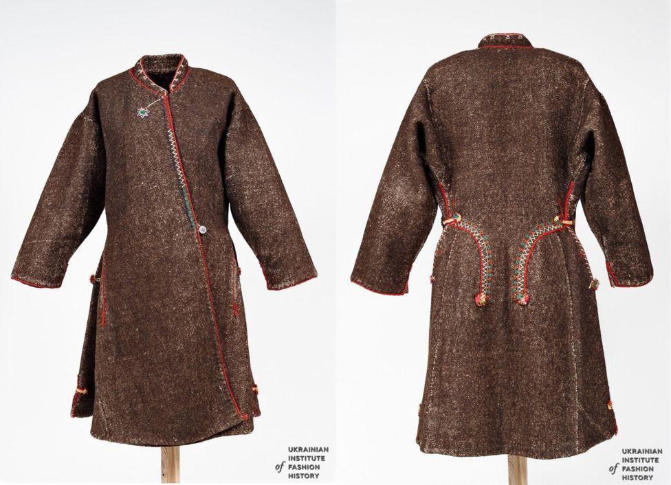 Святкова жіноча свита, пошита із рядовини. Початок ХХ століття. Рівненська область, Сарненський район.