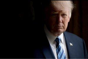 Конгресс США вызвал на слушание двух экс-помощниц Трампа
