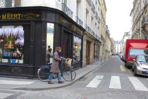 У Франції через коронавірус можуть перенести сезон розпродажу