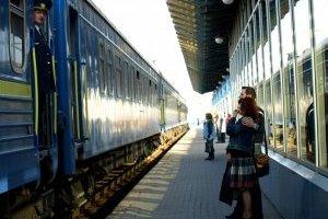 """В марте будут курсировать уже 17 """"праздничных"""" поездов"""