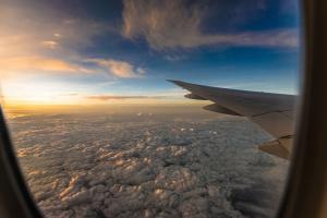 Чехія дозволила посадку всім літакам із країн ЄС