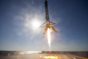 SpaceX назвала причину лютневої аварії ракети Falcon 9