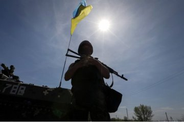 Two Ukrainian soldiers killed, four wounded in Donbas over past day
