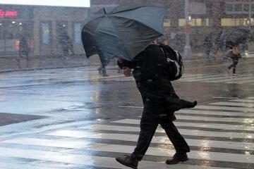 Se contempla el viento tormentoso hoy en cuatro regiones de Ucrania