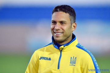 Marlos shows his Ukrainian passport