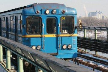 À Kyiv, un homme nu est monté dans un wagon du métro (vidéo)