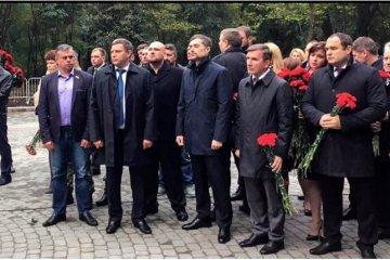 Sourkov et Zakhartchenko ont inauguré un monument aux combattants pro-russes