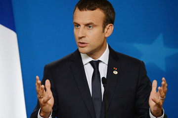 Macron promet d'aborder la question du Donbass lors de ses échanges avec Poutine