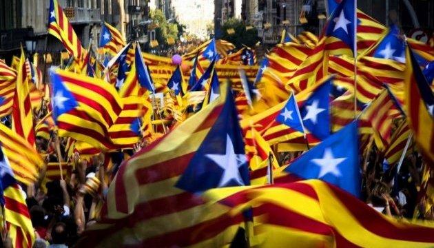 Мадрид грозится приостановить автономию Каталонии