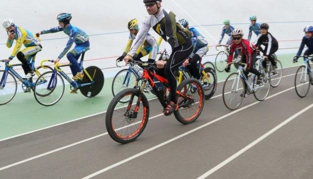 На Киевском велотреке открыли школу — занятия бесплатные