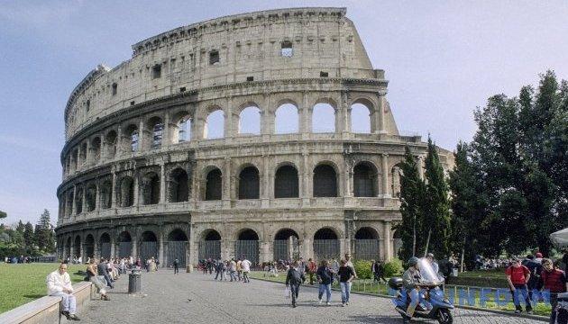 Туристов пустили на вершину Колизея впервые за 40 лет
